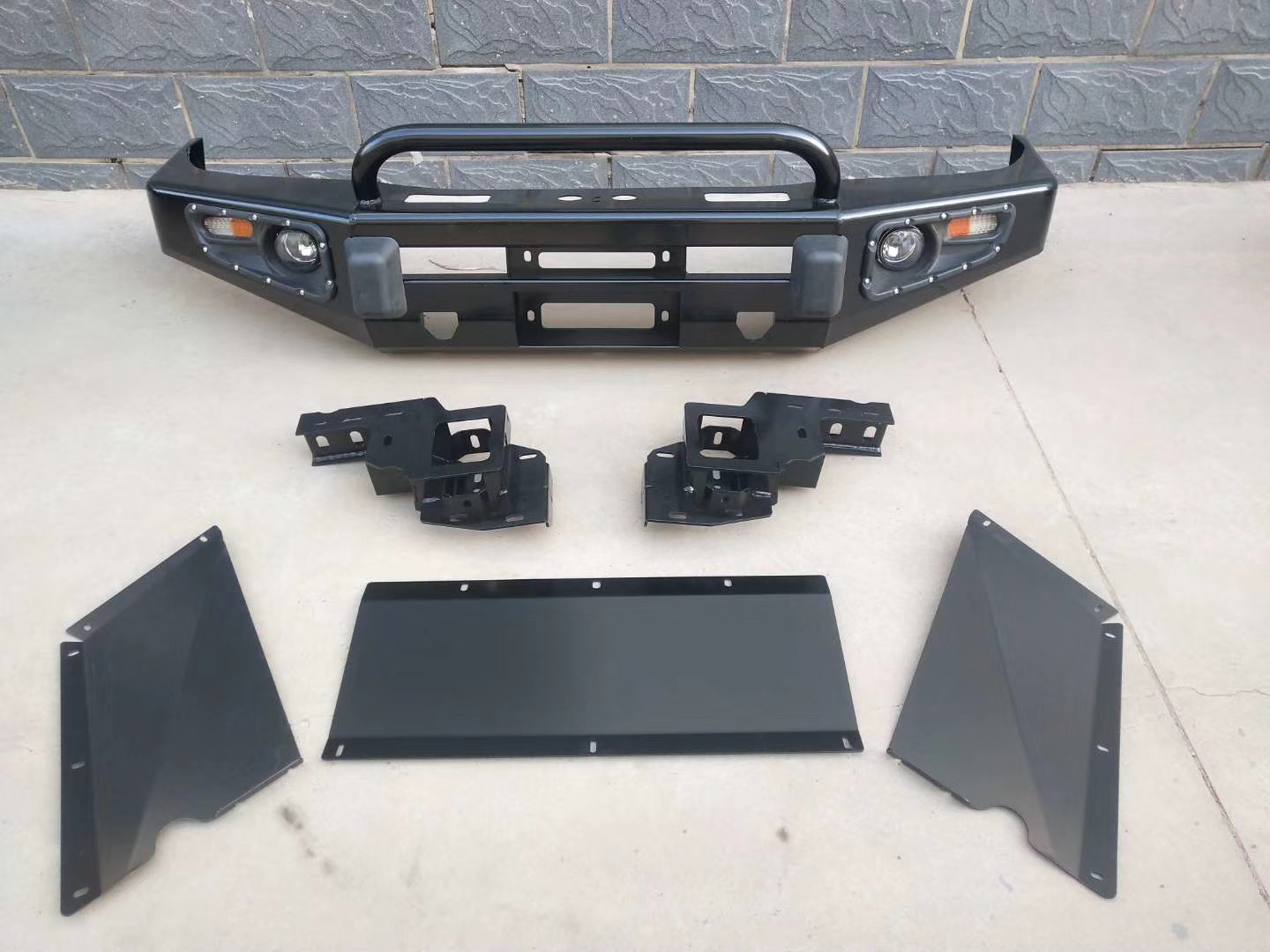 Front Bumper for Landcruiser 100 Featured Image